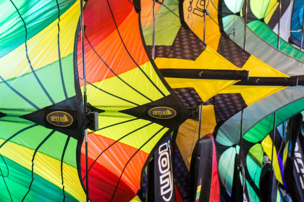 Coloured kits at Au gré du vent in Îles de la Madeleine